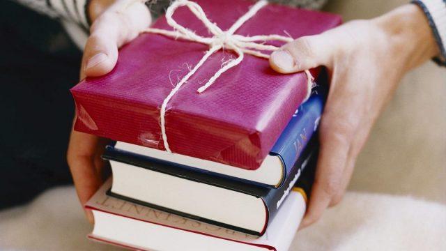 sách cũng là quà tặng phù hợp cho nam giới